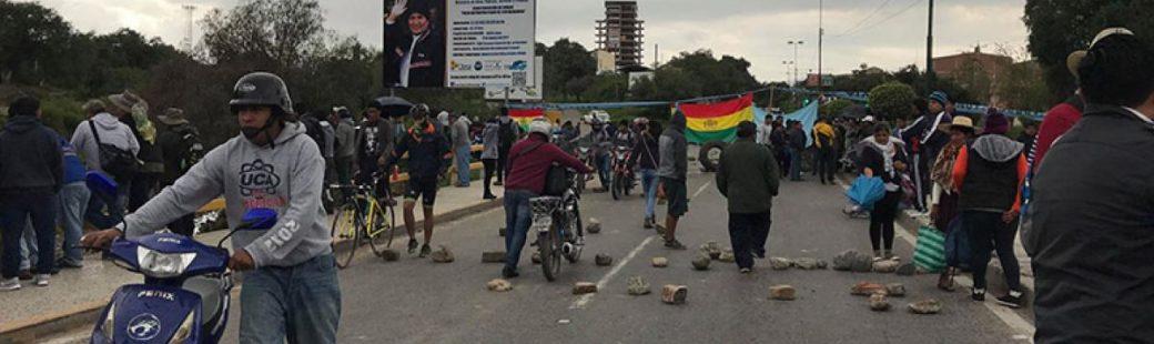 La Paz y cinco ciudades con bloqueos durante el paro cívico nacional contra la repostulación